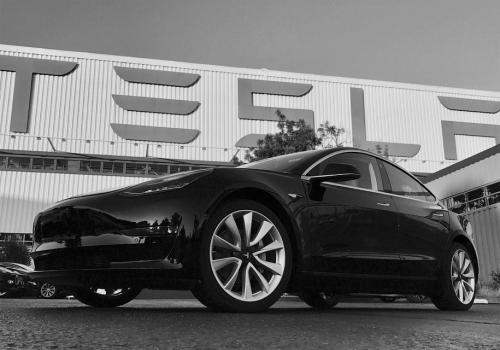 Продажи первой модели электромобиля превысили 1 млн. шт. И это не Nissan Leaf - Tesla