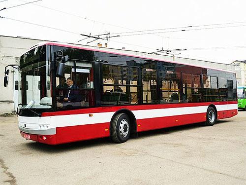 «Богдан» передал очередную партию автобусов для Ивано-Франковска - Богдан