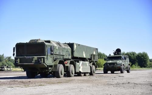 """Фонд госимущества намерен продать завод, изготовивший 5-осные шасси для украинского ОТРК """"Гром-2"""""""
