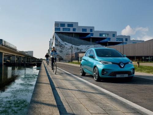 Renault продаст свои акции Daimler и выйдет из Альянса