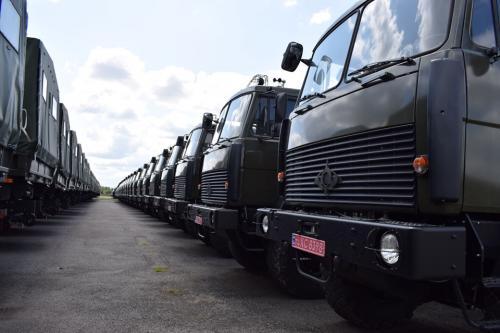 ВСУ получили крупнейшую партию армейских грузовиков Богдан-6317