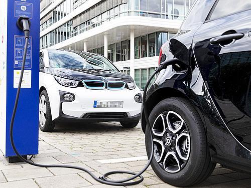 Самые популярные электромобили в Украине в 2021 году
