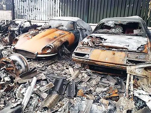 В Англии сгорела крупнейшая коллекция суперкаров