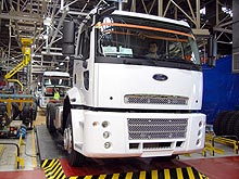 Как делают грузовики Ford Cargo. Репортаж с завода - Ford