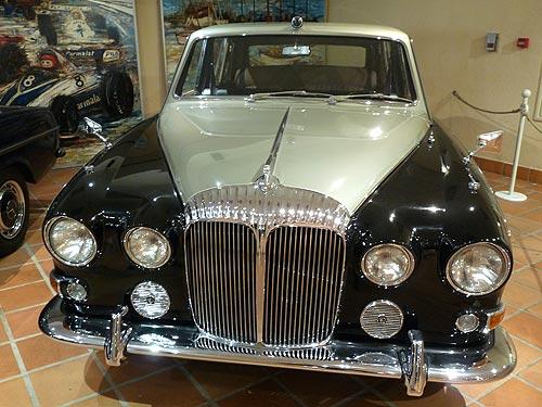 Какие авто коллекционируют монархи. Спецрепортаж из гаража Князя Монако
