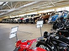Почему Янукович начал коллекционировать авто у себя в гараже - Янукович
