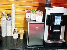 В Украине проверили качество хот-догов и кофе на АЗС