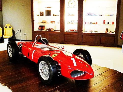 Храм скорости: Зачем нужно сходить в Ferrari World Park - Ferrari