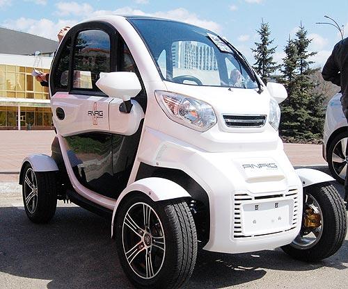 В Украине появился самый доступный электромобиль за 150000 грн - электромоб