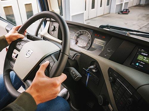 Стали известны результаты длительного теста Volvo FH с системой I-Save. Сколько она реально позволяет экономить - Volvo
