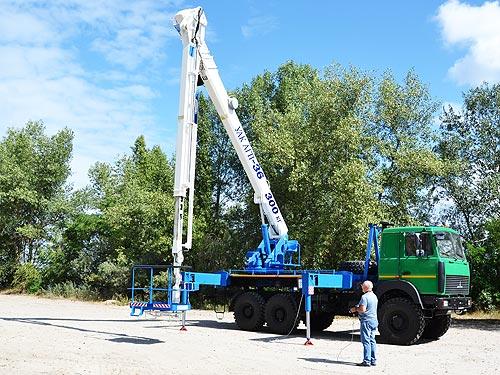 В Украине выпустили автогидроподъёмник УАК АГП-36 на шасси МАЗ 6317 6х6 - МАЗ
