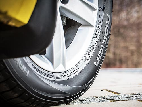 Когда необходимо задуматься о покупке новых шин и на что обращать внимание при их выборе