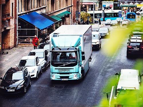 Сеть супермаркетов в Швеции начала эксплуатацию полностью электрического грузовика Volvo FE Electric