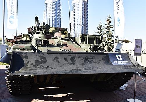 В Украине представили бронемашину «Лев» на базе танка Т-72 - броне