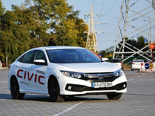 Разумная достаточность со щедрой добавкой. Тест-драйв обновленного Honda Civic