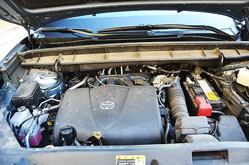Раздвоение личности. Тест-драйв Toyota Highlander - Toyota